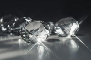 Diamonds are forever - So pflegen Sie Ihren Diamantschmuck richtig