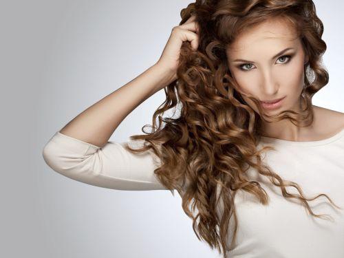 Schönes Haar auch in der kalten Jahreszeit – Pflegetipps bei empfindlicher Kopfhaut